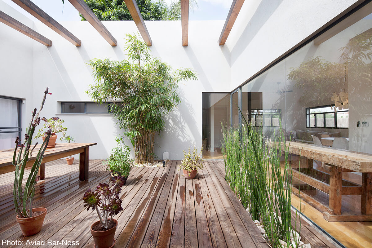 Amazing patio in house designed by Henkin Shavit Design Studio
