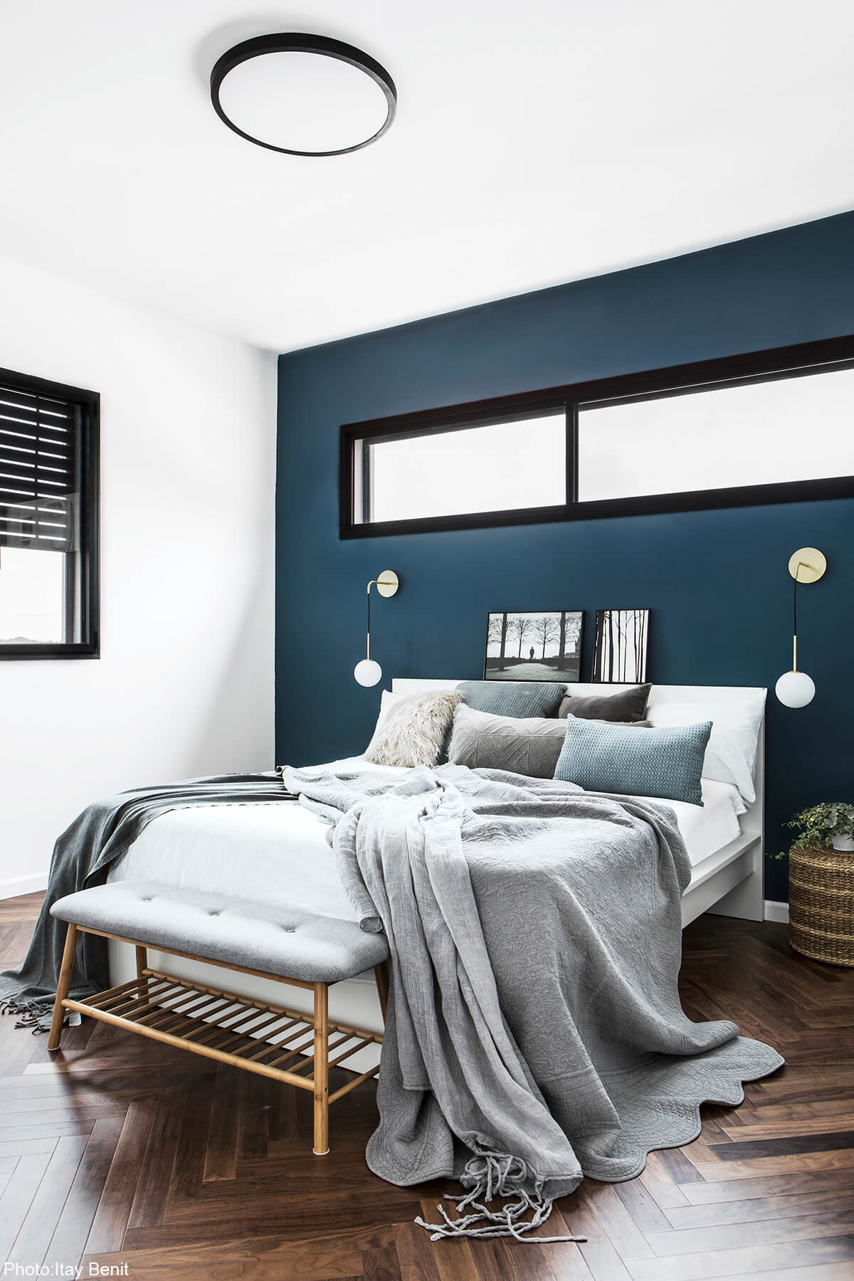 Blue wall in 180sqm House designed by Carmit Gat - Fineshmaker