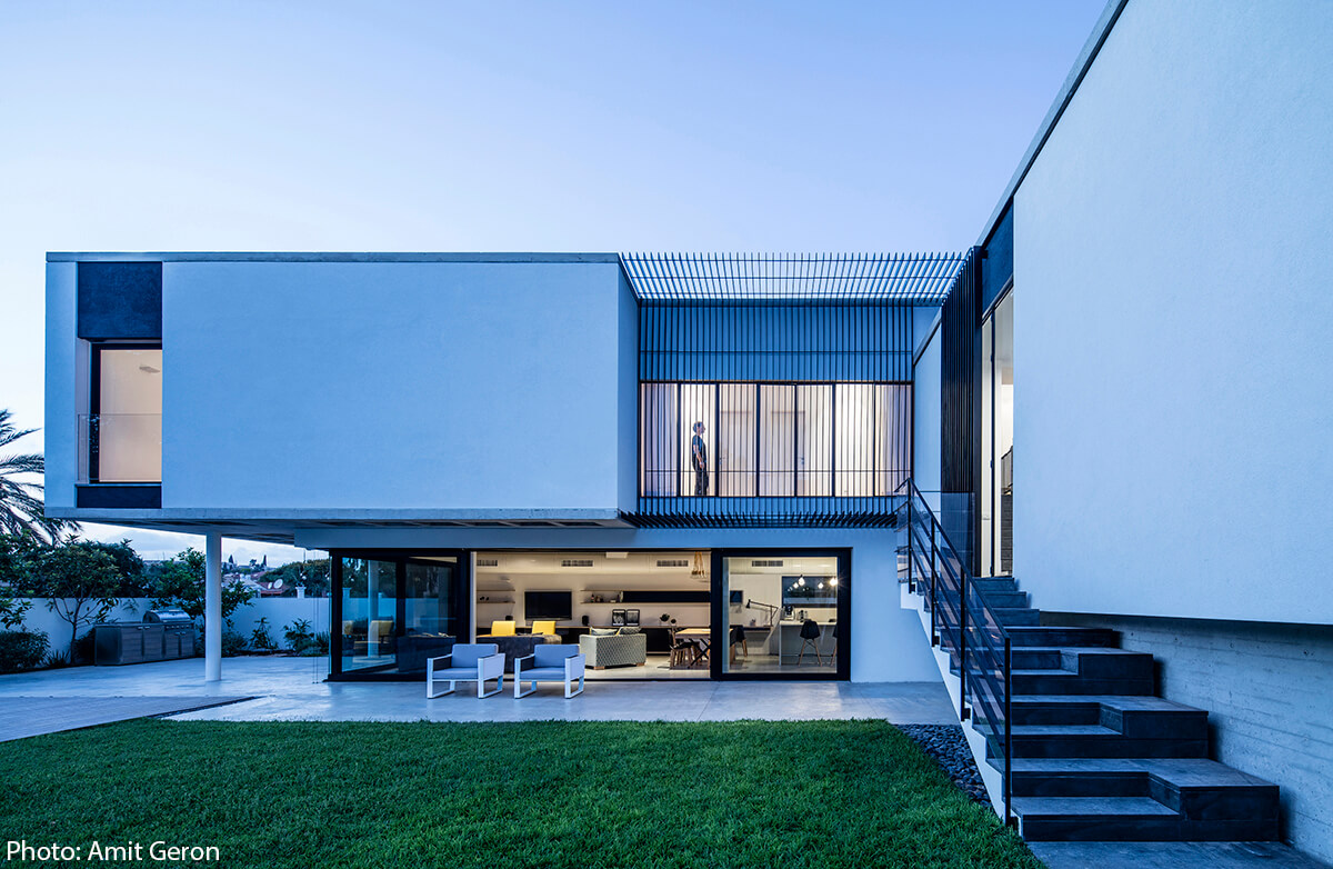 Modern facade designed by Jacobs Yaniv Architects, Photo by Amit Geron - Fineshmaker