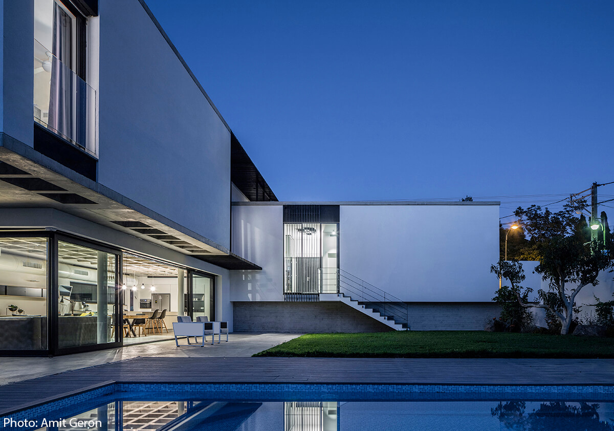 Modern house designed by Jacobs Yaniv Architects, Photo by Amit Geron - Fineshmaker