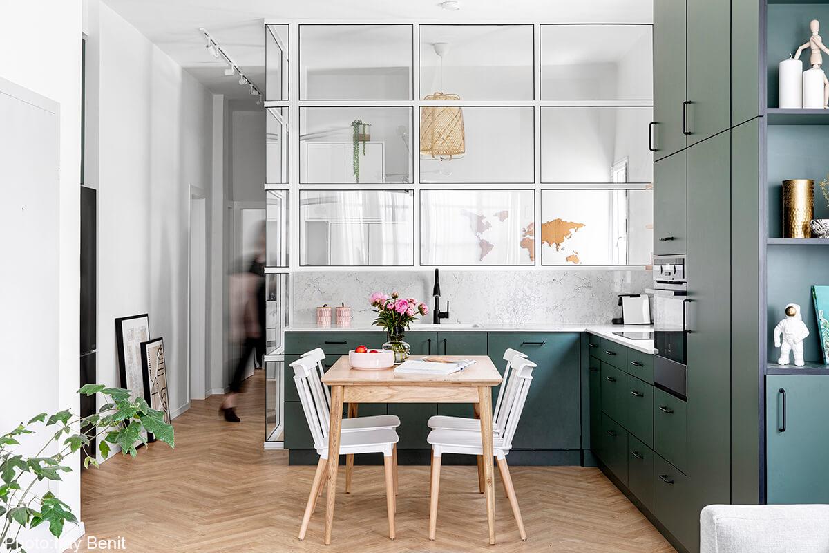 Small cozy kitchen design